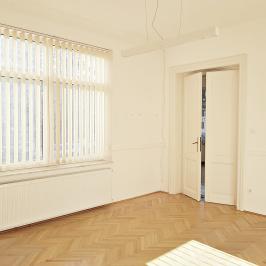 Eladó  családi ház (<span class='notranslate'>Budapest, XIV.  </span>kerület) 333 M   <span class='notranslate'>Ft</span>