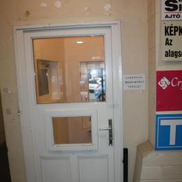 Eladó  üzlethelyiség üzletházban (Dunaújváros, Belváros) 4,4 M  Ft