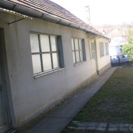 Eladó  családi ház (<span class='notranslate'>Úri</span>, <span class='notranslate'></span>) 9 M   <span class='notranslate'>Ft</span>