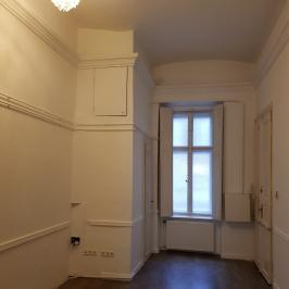 Eladó  téglalakás (Budapest, II. kerület) 98,9 M  Ft