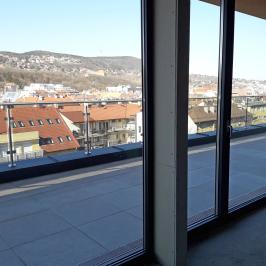Eladó  téglalakás (Budapest, III. kerület) 220 M  Ft