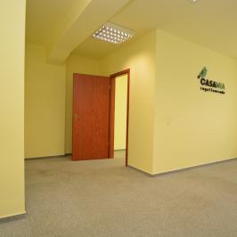 Kiadó  iroda (Debrecen, Homokkert) 97,5 E  Ft/hó