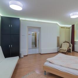 Kiadó  családi ház (Budapest, II. kerület) 800 E  Ft/hó