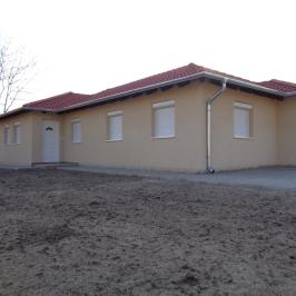 Eladó  családi ház (Szigetszentmiklós, Bucka) 47,9 M  Ft