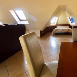 Eladó  téglalakás (Debrecen) 27,9 M  Ft