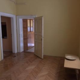 Eladó  téglalakás (Budapest, VI. kerület) 41,5 M  Ft