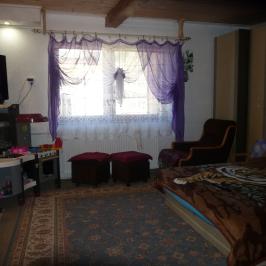 Eladó  családi ház (Tiszaeszlár) 4,6 M  Ft