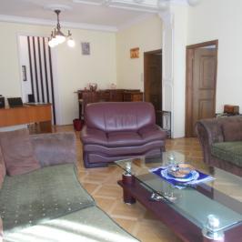 Eladó  téglalakás (Budapest, VI. kerület) 114 M  Ft