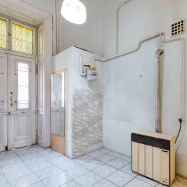 Eladó  téglalakás (Budapest, VI. kerület) 37,9 M  Ft