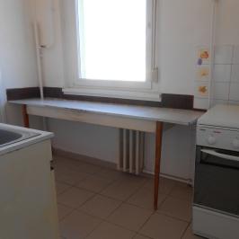 Eladó  panellakás (Szeged, Makkosház) 15,5 M  Ft