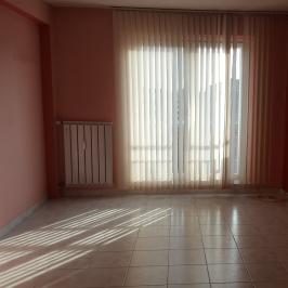 Eladó  panellakás (Budapest, III. kerület) 30,5 M  Ft