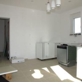 Eladó  családi ház (Dunakiliti) 54 M  Ft