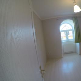 Kiadó  családi ház (Budapest, II. kerület) 744 E  Ft/hó