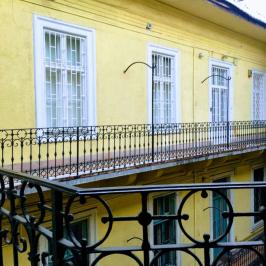 Eladó  téglalakás (Budapest, VII. kerület) 99 M  Ft