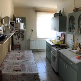 Eladó  téglalakás (Kalocsa, Széchenyi-lakótelep) 14,9 M  Ft