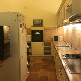 Eladó  téglalakás (Budapest, VI. kerület) 95,5 M  Ft