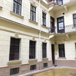 Eladó  téglalakás (Budapest, VI. kerület) 55,6 M  Ft