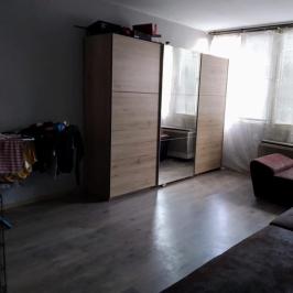 Eladó  panellakás (Vác, Deákvár) 21,9 M  Ft