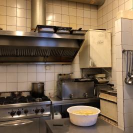 Kiadó  melegkonyhás vendéglátóegység (Budapest, IX. kerület) 385 E  Ft/hó