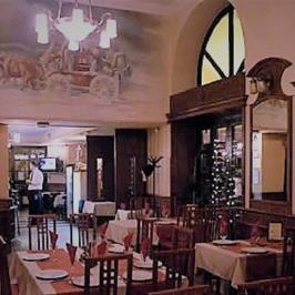 Eladó  melegkonyhás vendéglátóegység (Budapest, IX. kerület) 700 M  Ft