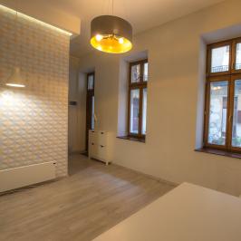 Eladó  téglalakás (Budapest, VII. kerület) 32 M  Ft