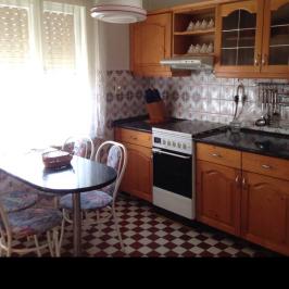 Eladó  családi ház (Veszprém-Gyulafirátót) 38 M  Ft