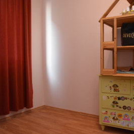 Eladó  panellakás (Debrecen, Burgundia) 24,5 M  Ft