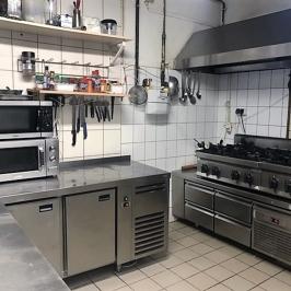 Kiadó  melegkonyhás vendéglátóegység (Budapest, IX. kerület) 550 E  Ft/hó