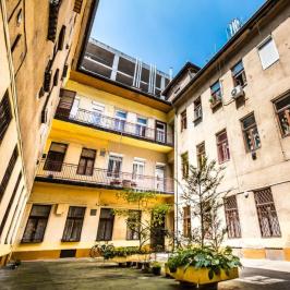 Eladó  téglalakás (Budapest, VII. kerület) 35,2 M  Ft +ÁFA