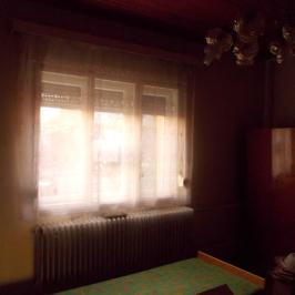 Eladó  családi ház (Szolnok, Kertváros) 24,99 M  Ft