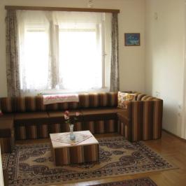 Eladó  családi ház (Dunabogdány) 34 M  Ft