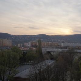 Eladó  panellakás (Budapest, III. kerület) 32,9 M  Ft
