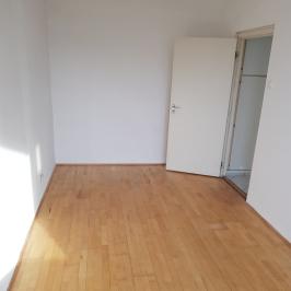 Eladó  panellakás (Budapest, XIII. kerület) 53,9 M  Ft
