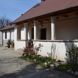 Eladó  családi ház (Biatorbágy) 52,2 M  Ft