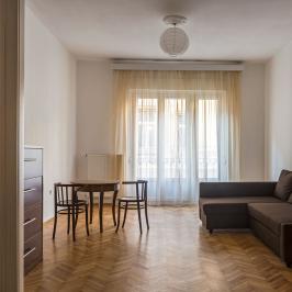 Eladó  téglalakás (Budapest, VII. kerület) 62,9 M  Ft