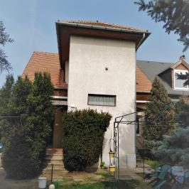 Eladó  családi ház (Budapest, XV. kerület) 56 M  Ft