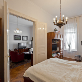Eladó  téglalakás (Budapest, VI. kerület) 59,9 M  Ft