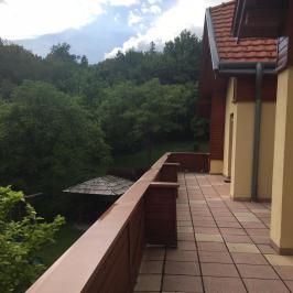 Eladó  villa (<span class='notranslate'>Budapest, XII.  </span>kerület) 555 M   <span class='notranslate'>Ft</span>