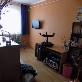 Eladó  panellakás (Győr, Marcalváros I.) 23,9 M  Ft