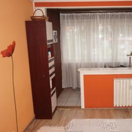 Eladó  panellakás (Budapest, III. kerület) 37,5 M  Ft