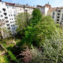 Eladó  téglalakás (Budapest, V. kerület) 78,8 M  Ft
