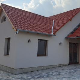 Kiadó  családi ház (Paks) 350 E  Ft/hó