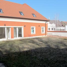 Eladó  vendéglátás (Eger, Belváros) 250 M  Ft +ÁFA