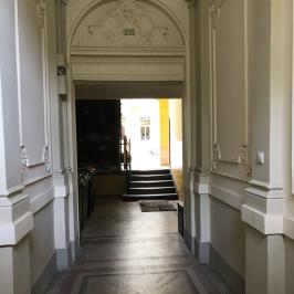 Eladó  téglalakás (Budapest, VI. kerület) 31,9 M  Ft