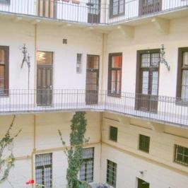 Eladó  téglalakás (Budapest, V. kerület) 54 M  Ft
