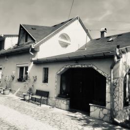 Eladó  családi ház (Vecsés) 46,8 M  Ft