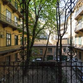 Eladó  téglalakás (Budapest, VIII. kerület) 49,9 M  Ft