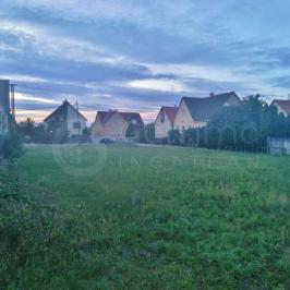 Eladó  telek (Kistokaj) 7,5 M  Ft