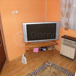 Eladó  családi ház (Onga) 7,9 M  Ft