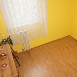 Eladó  panellakás (Budapest, III. kerület) 28,4 M  Ft